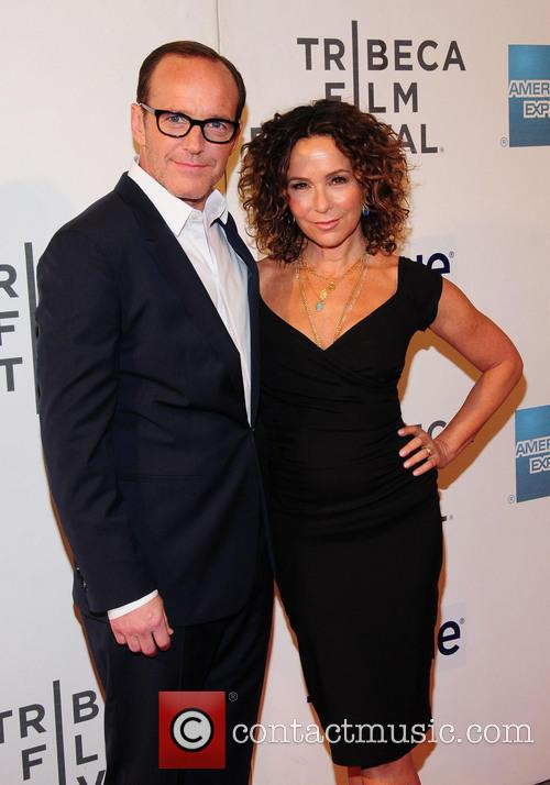 Jennifer Grey and Clark Gregg 7