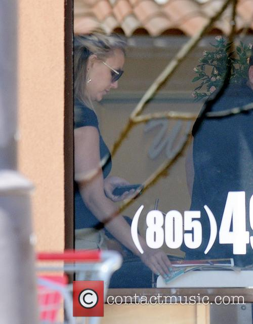 Britney Spears visits a nail salon