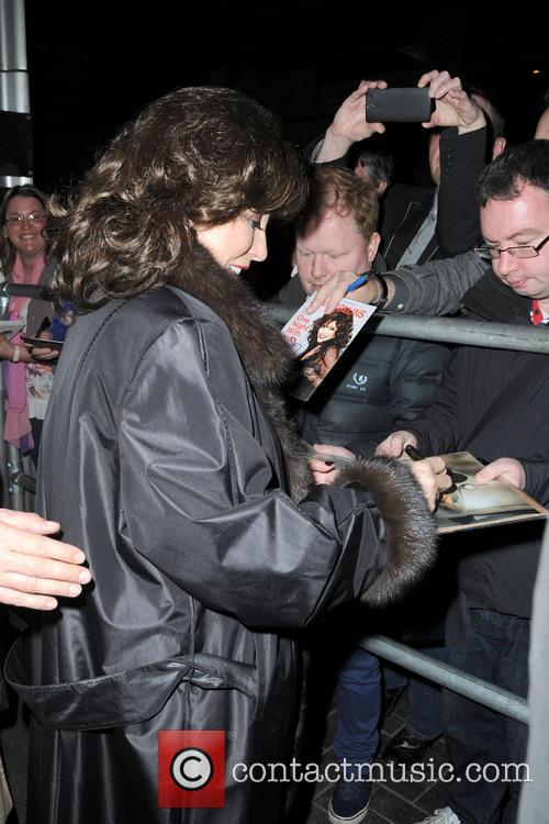 joan collins joan collins greets fans as 3619910