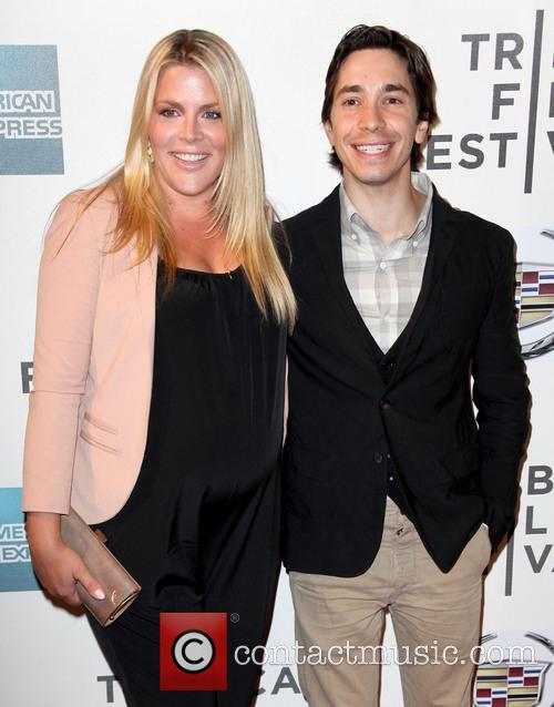 Busy Philipps and Justin Long 9