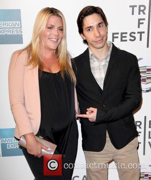 Busy Philipps and Justin Long 11