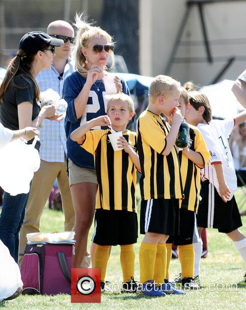 Britney Spears and Jayden James Federline 10