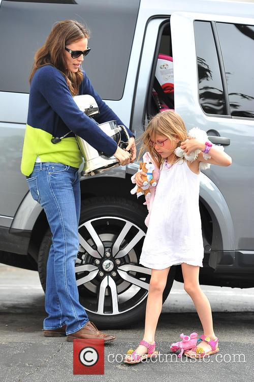 Jennifer Garner and Violet Affleck 8