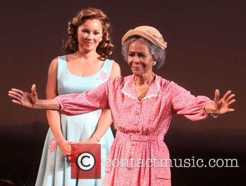 Vanessa Williams and Cicely Tyson 4