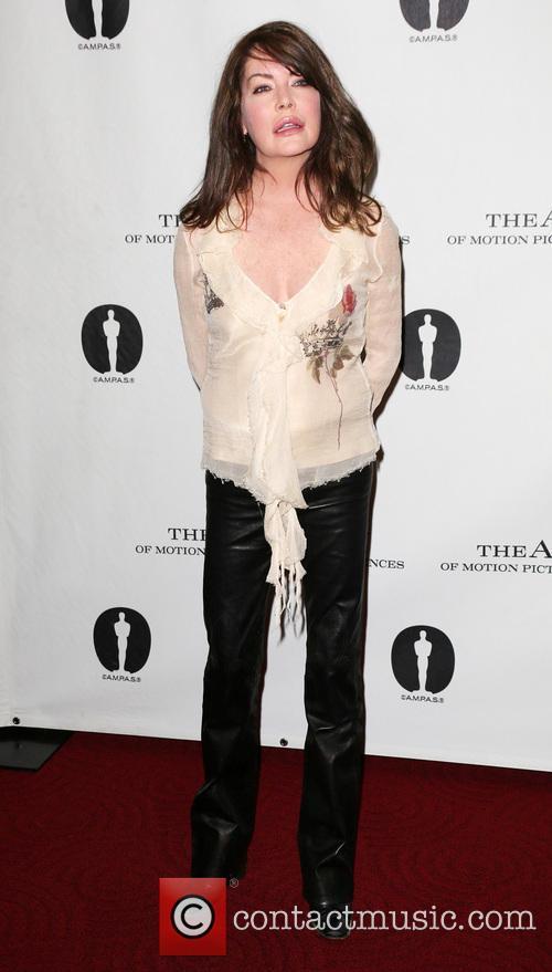 Lara Flynn Boyle 2