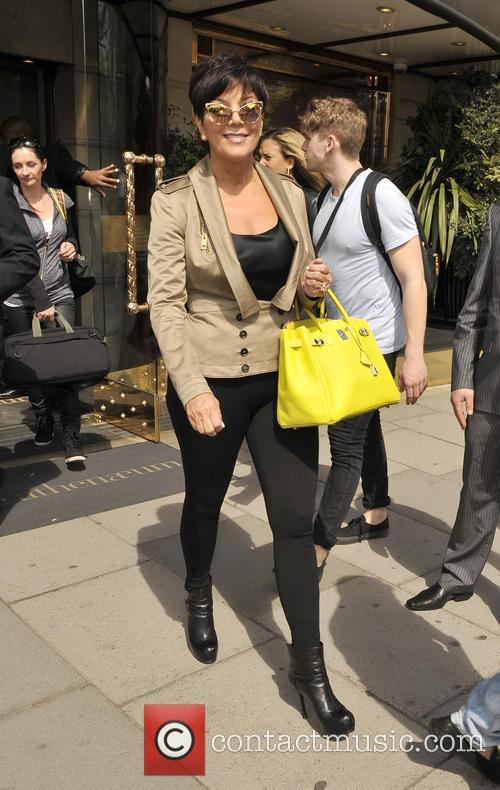 Kourtney Kardashian and family leaving their hotel
