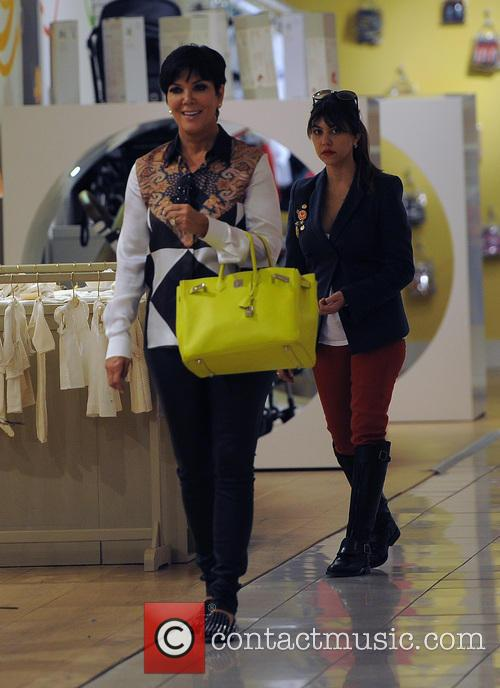 Kris Jenner and Kourtney Kardashian 6