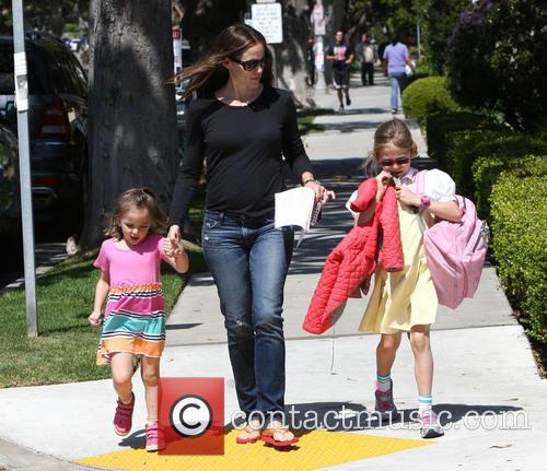 Jennifer Garner, Violet Affleck and Seraphina Affleck 3