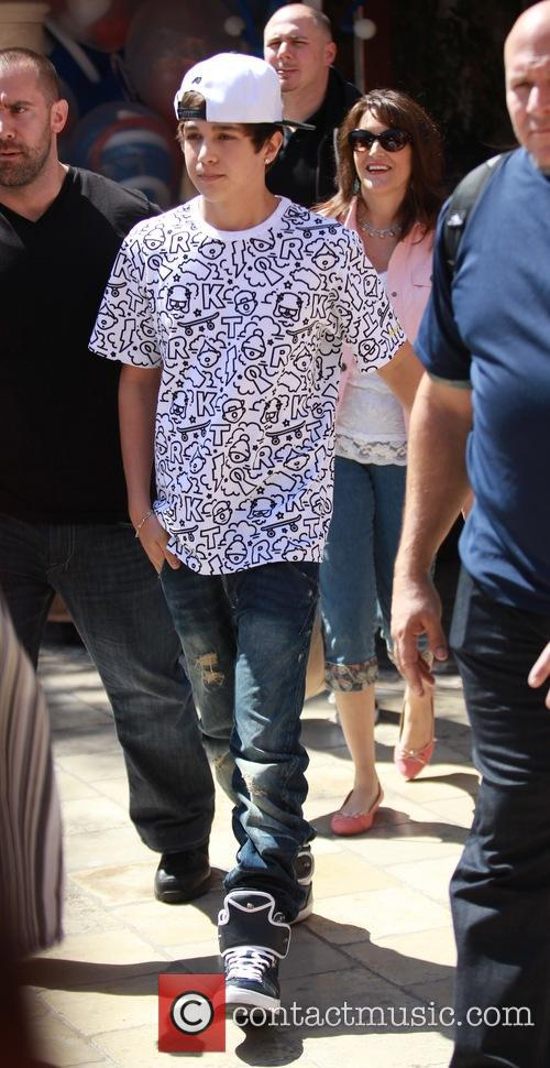 Austin Mahone films 'Extra' at The Grove in...