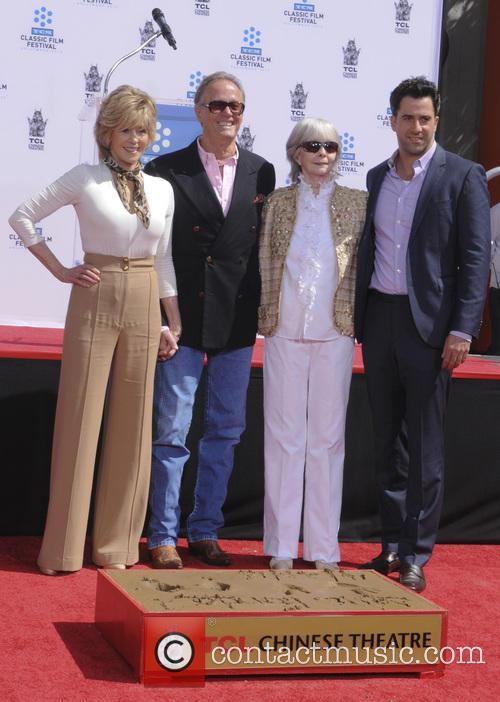 Jane Fonda, Peter Fonda, Shirlee Fonda, Troy Garity, TCL Chinese Theater
