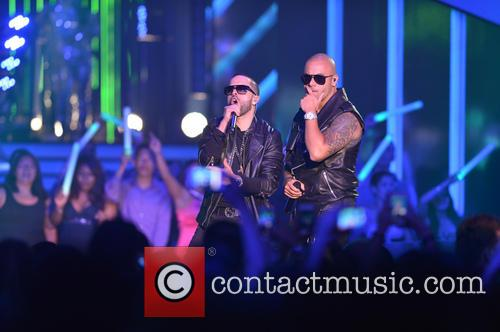 Billboard and Wisin Y Yandel 9