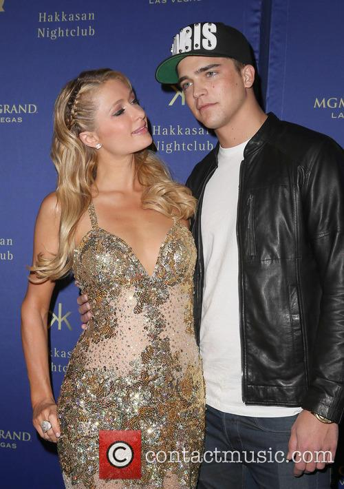Paris Hilton and River Viiperi 1