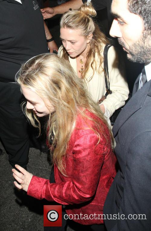 Ashley Olsen and Mary-kate Olsen 4
