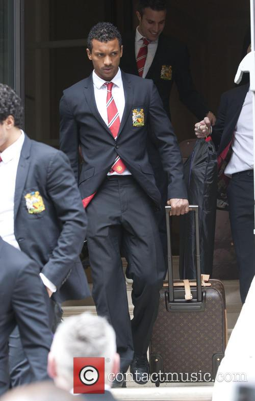Man Utd squad leave their hotel