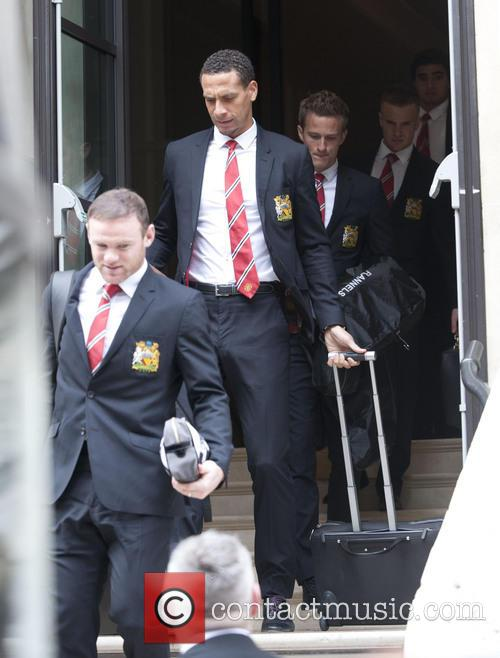 Wayne Rooney, Rio Ferdinand and Anders Lindegaard 4