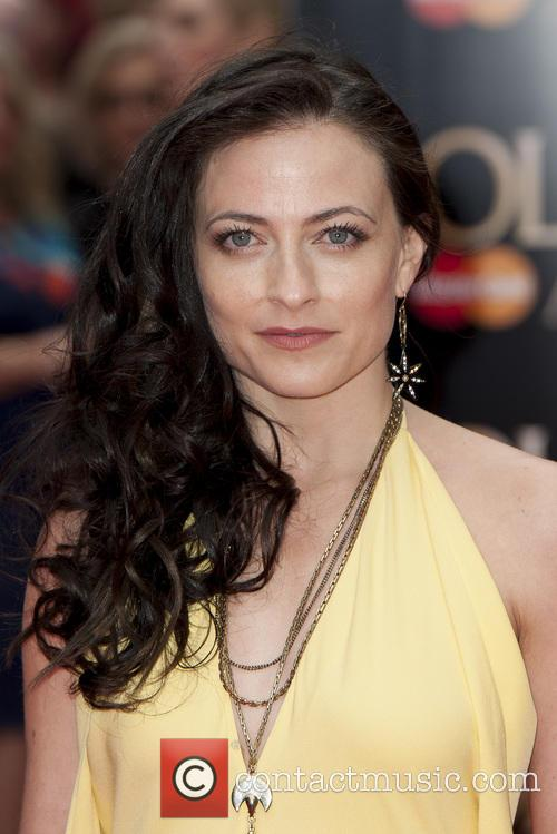 Lara Pulver 6