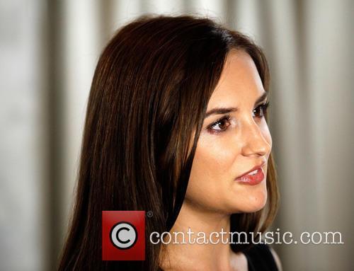 Rachael Leigh Cook 6
