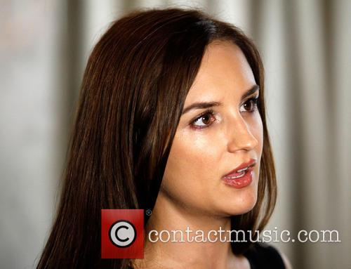 Rachael Leigh Cook 7