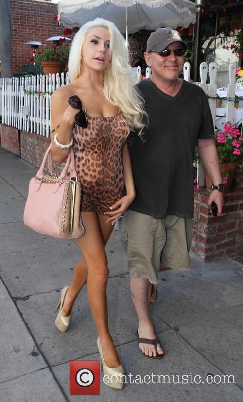 Doug Hutchison and Courtney Stodden 9