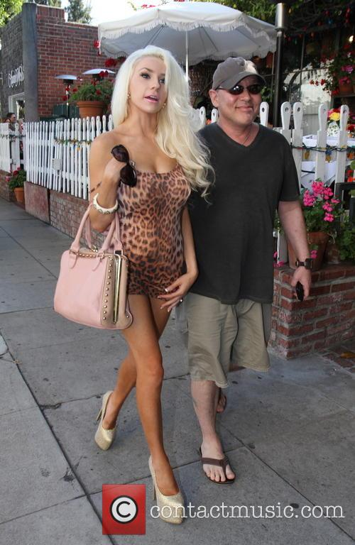 Doug Hutchison and Courtney Stodden 5
