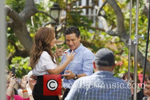 Leah Remini and Mario Lopez 1