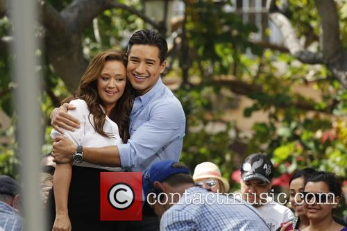 Leah Remini and Mario Lopez 8