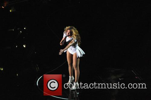 Beyonce performs at London's 02