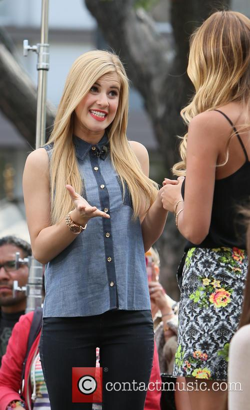 Caroline Sunshine and Renee Bargh 13