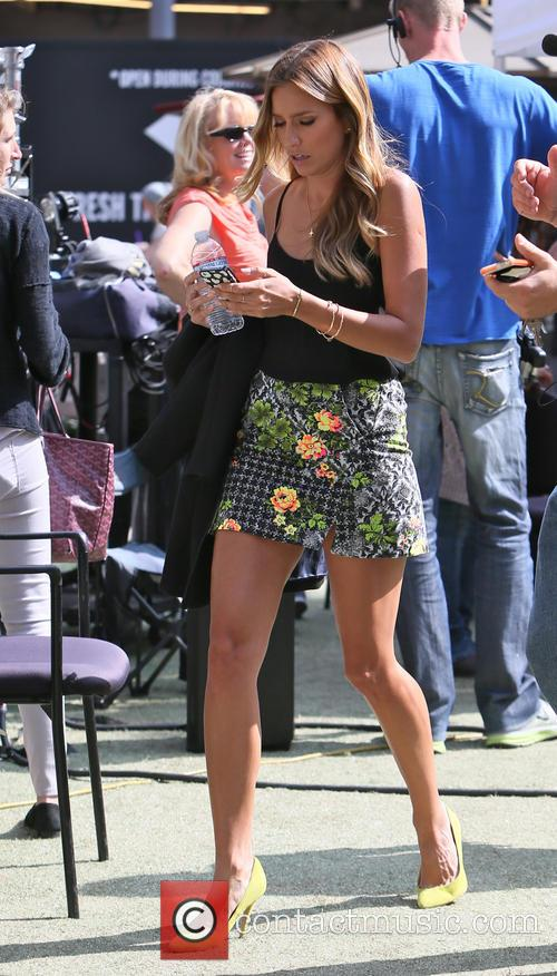 renee bargh celebrities at the grove to 3638043