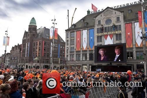 atmosphere inauguration of king willem alexander 3637227