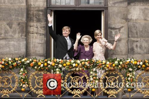 King Willem Alexander, Queen Beatrix and Queen Maxima 4