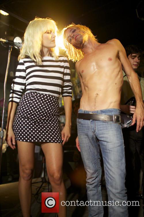 Malin Akerman and Taylor Hawkins 3