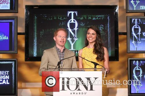 Jesse Tyler Ferguson and Sutton Foster 9