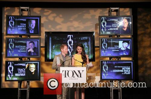 Jesse Tyler Ferguson and Sutton Foster 12
