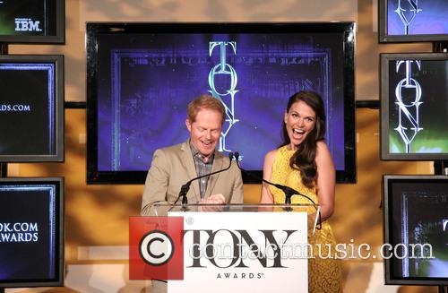 Jesse Tyler Ferguson and Sutton Foster 13