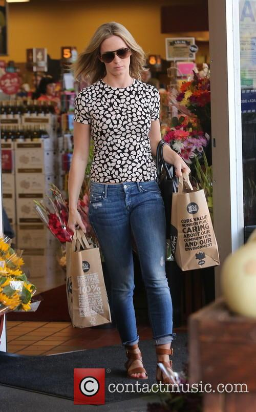 Emily Blunt Grocery Shopping