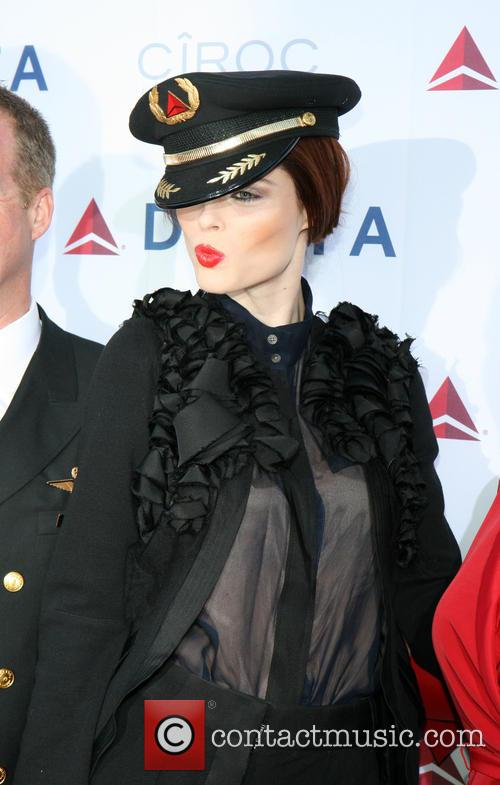 coco rocha delta airlines celebrates the opening 3640461