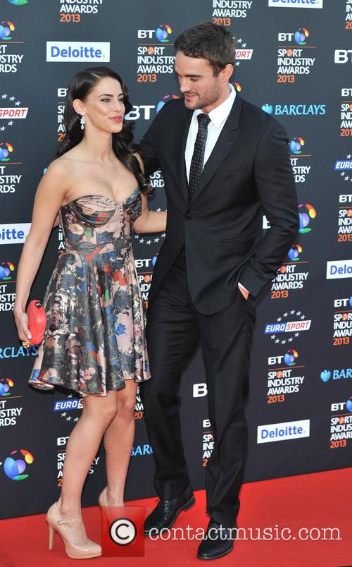 Jessica Lowndes and Thom Evans 10