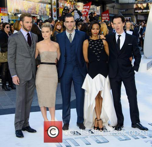Chris Pine, Alice Eve, Zachary Quinto, Zoe Saldana and Benedict Cumberbatch 3