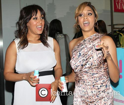 Tia Mowry and Tamera Mowry 4