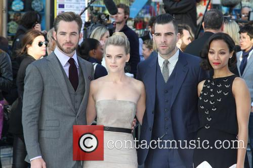Chris Pine, Zachary Quinto, Alice Eve and Zoe Saldana 5