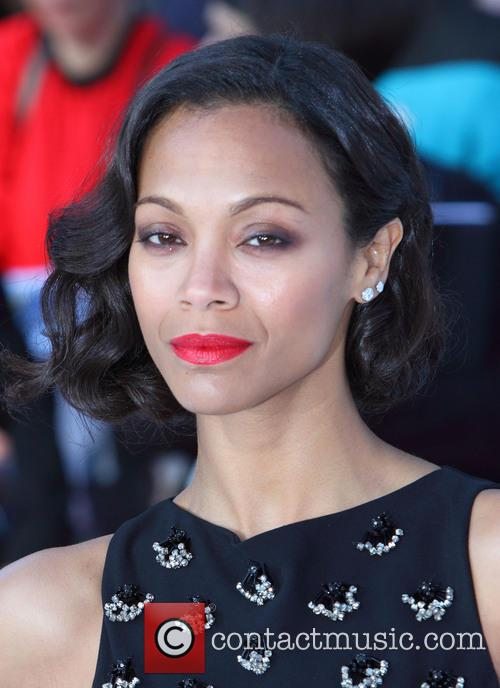 zoe saldana premiere of star trek into 3646294