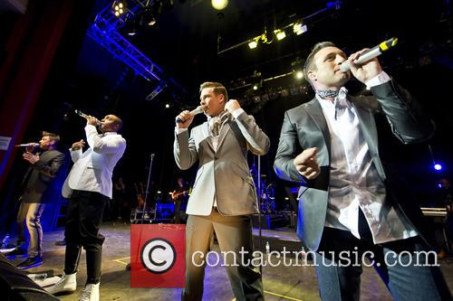 Blue, Lee Ryan, Simon Webbe, Duncan James and Antony Costa 2