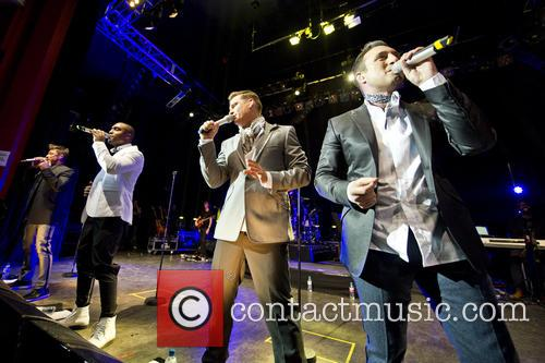 Blue, Lee Ryan, Simon Webbe, Duncan James and Antony Costa 4