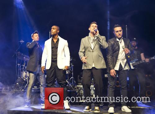 Blue, Lee Ryan, Simon Webbe, Duncan James and Antony Costa 5