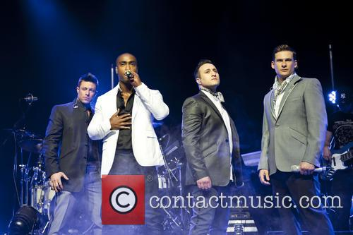 Blue, Lee Ryan, Simon Webbe, Duncan James and Antony Costa 7