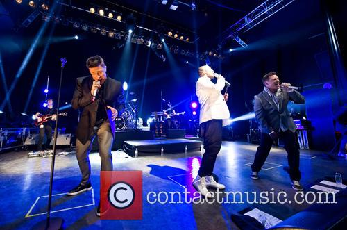 Blue, Lee Ryan, Simon Webbe, Duncan James and Antony Costa 11