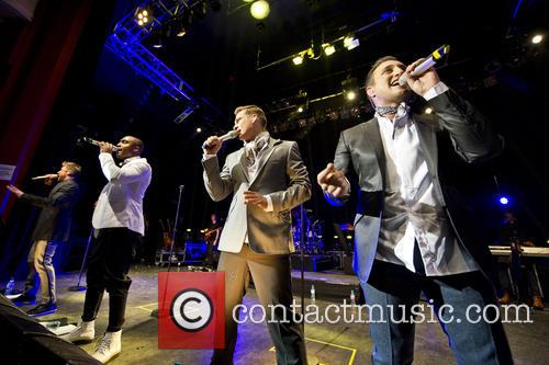 Blue, Lee Ryan, Simon Webbe, Duncan James and Antony Costa 12