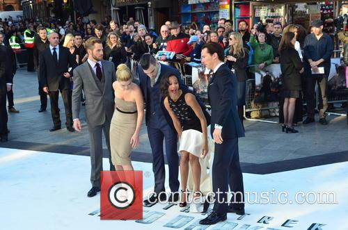Chris Pine, Alice Eve, Zachary Quinto, Zoe Saldana and Benedict Cumberbatch 2