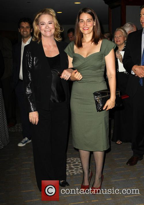 Cybill Shepherd and Clementine Ford 1